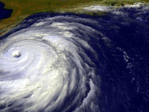 飓风逼近佛罗里达的照片